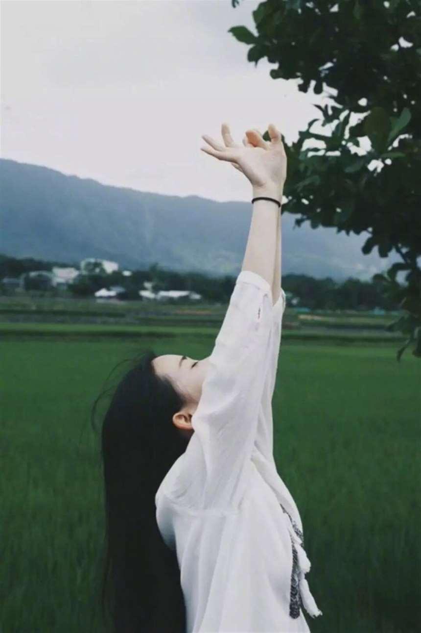 有一种寂寞叫想念,想念一个人,一段往事,一场相遇寂静的夜里,深深切切_配图大全