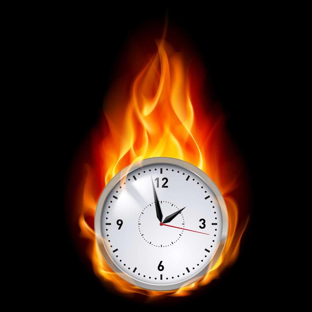 燃烧的时间钟表_高清图库