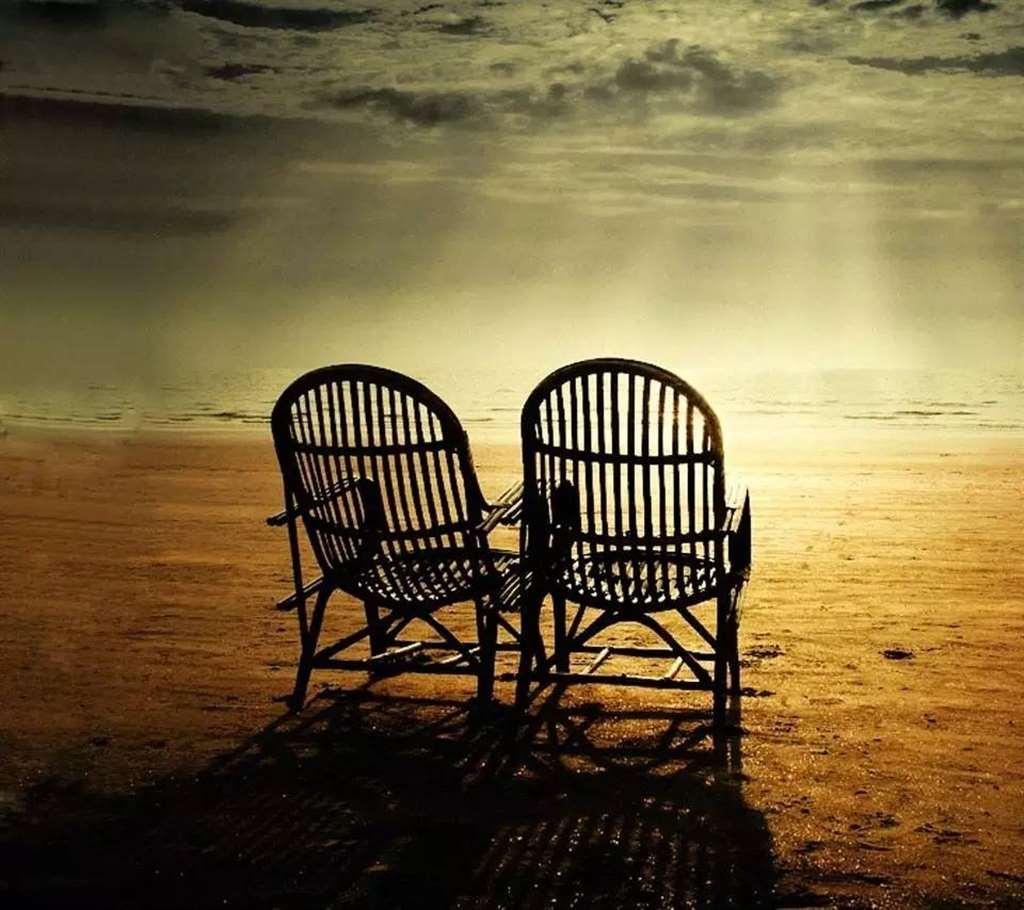 人生能相遇,已是不易; 心灵若相知,更要珍惜! 感情,有时是一种自伤._配图大全
