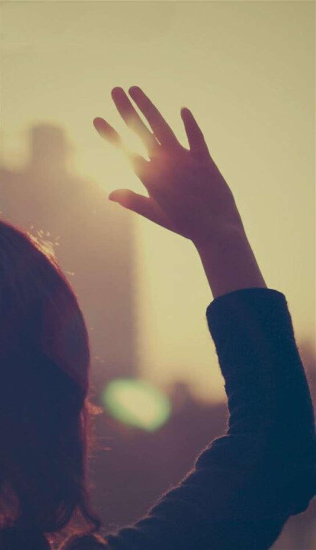 疼你.牵挂你的人.这就是幸福.#女生#女人#背影_配图大全